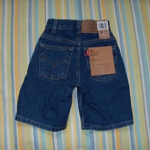 NEW Boy's Levis 550 Relaxed Fit jean shorts 6 Slim